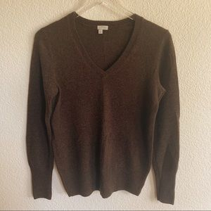 Halogen 100% Cashmere V neck sweater, size Medium